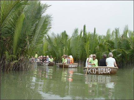 ECOTOURISM - POTENTIAL AND STRENGTH OF TOURISM INDUSTRY IN VIETNAM