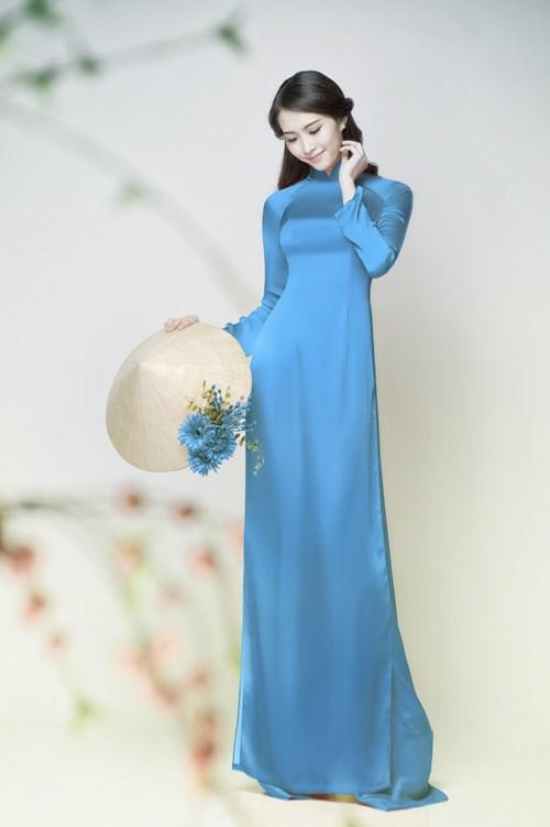 Ao Dai - The timeless charm of Vietnamese women - MoonGardenHomeStay ...